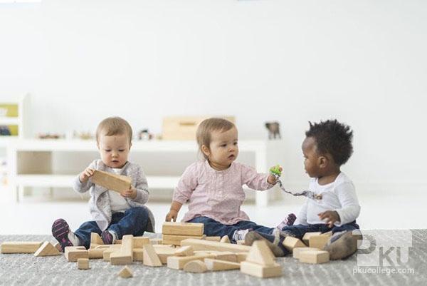 幼儿园宝宝